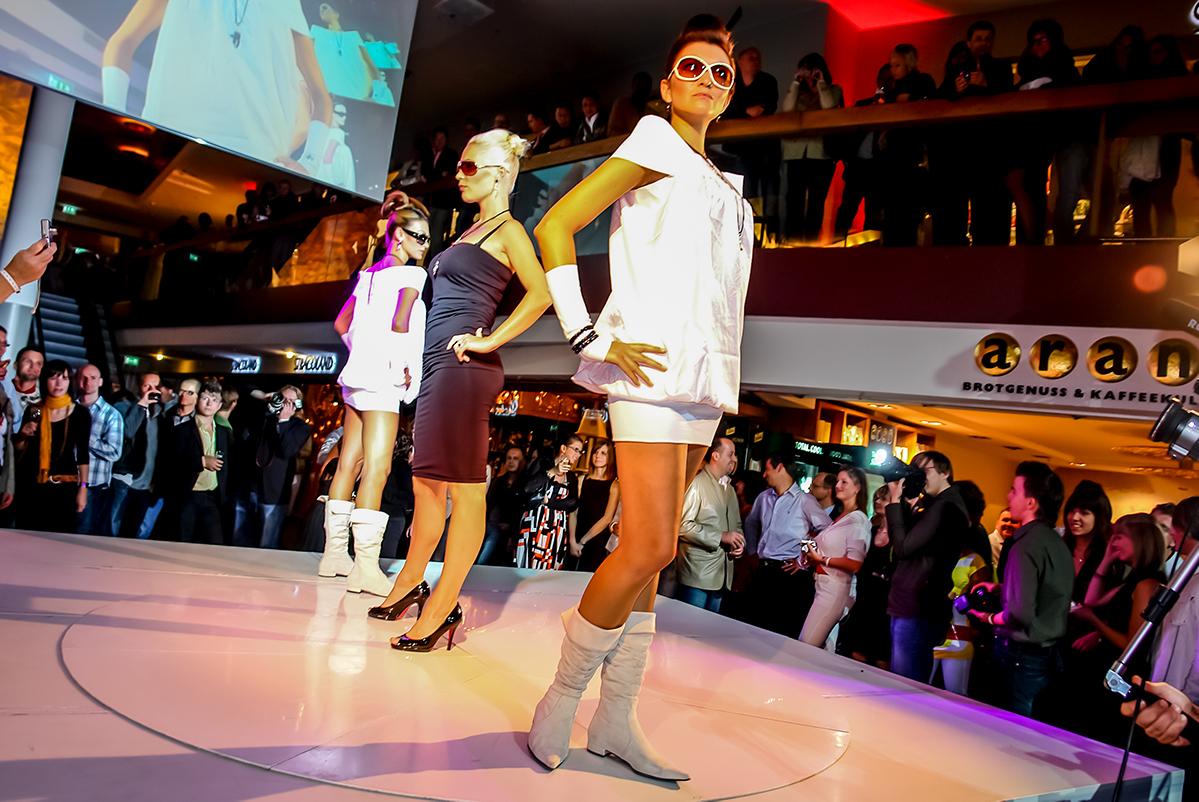 Fashionshow QF Dresden Runway Frauen
